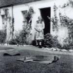 AchosriganLaich Cottage, Helen McNicol. Source - Hamish MacEwan
